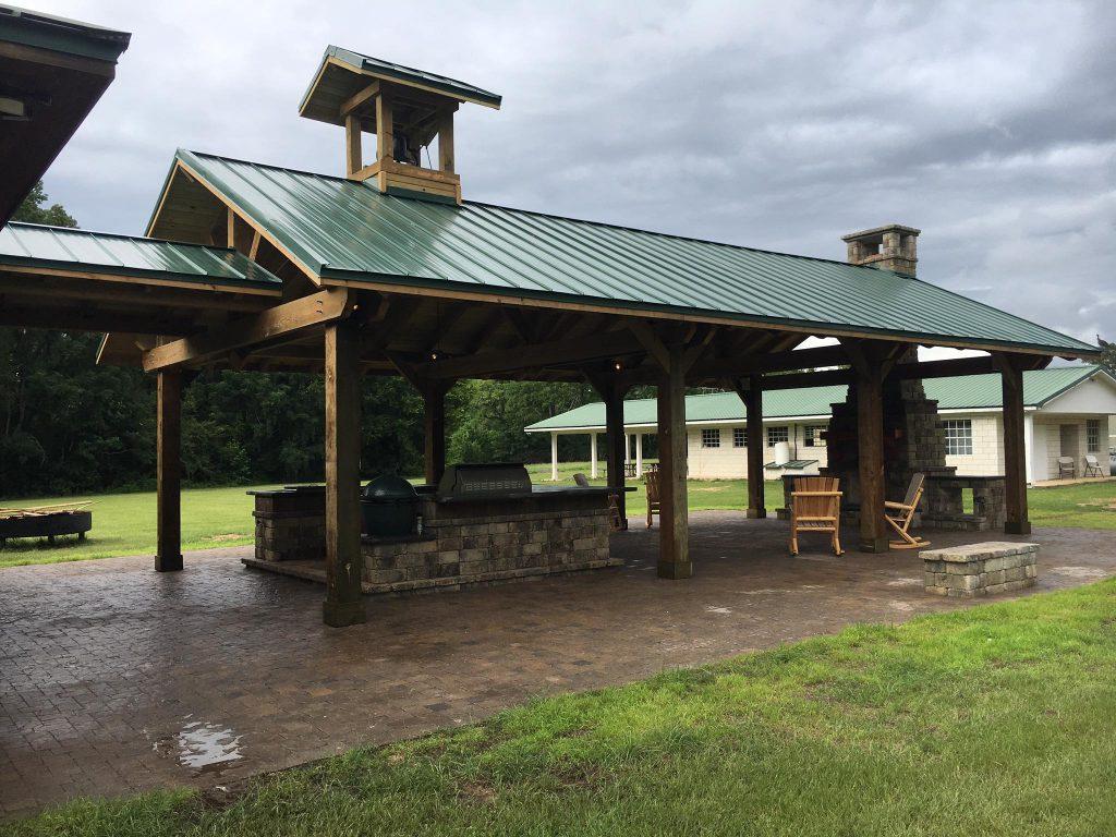 Tremron Stonegate Oak Run outdoor space